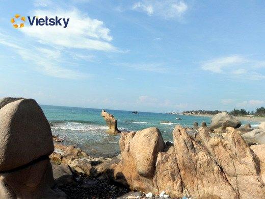 Tour du lịch Côn Đảo 3N2D thăm quan Bãi Đá Trắng