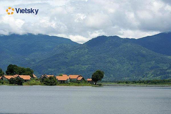 Du lịch hồ Lăk