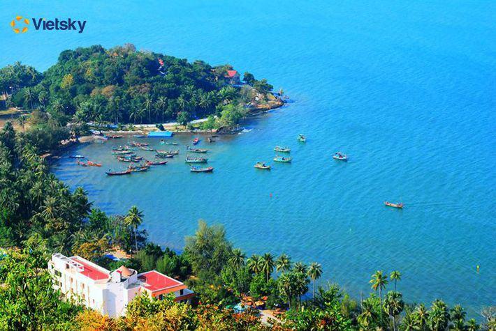Tour du lịch xuyên Việt - Bãi biển Mũi Nai