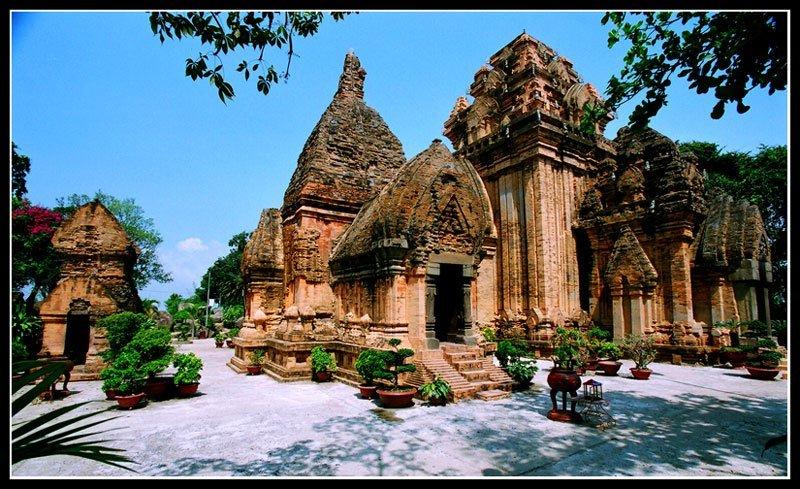 Thuyết minh về cổ viện Chàm