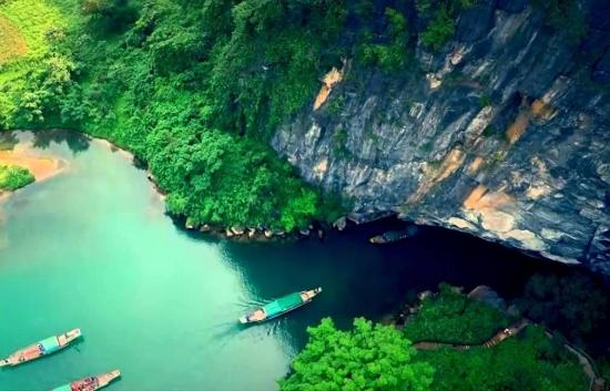 Tour Du Lịch Quảng Bình: Động Phong Nha