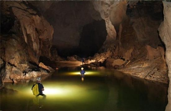 Tour hang Tối Quảng Bình