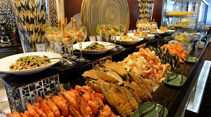 Buffet ở khách sạn Baiyoke Sky