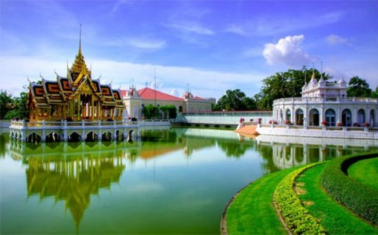 - Cung điện Bang Pa-in