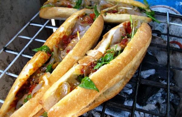 Bánh mỳ Quảng Bình