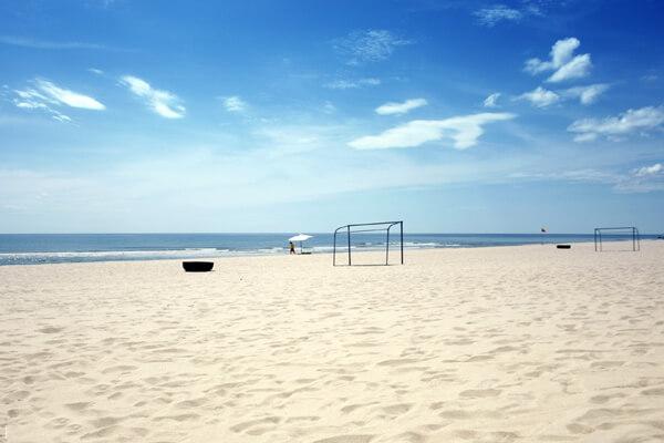 Nhật Lệ với những bờ cát mịn