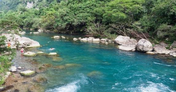 Du lịch Suối Moọc Quảng Bình