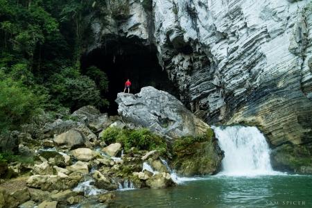 Du lịch hang Tú Làn Quảng Bình